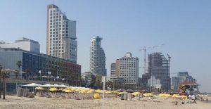 מלונות חוף תל אביב. במלונות העיר 8,500 חדרים. צילום עוזי בכר