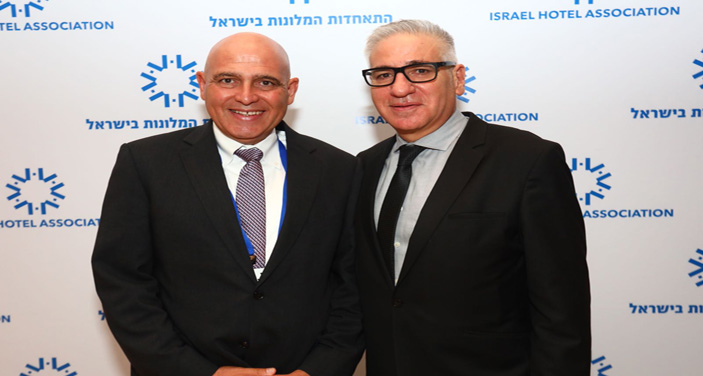 מימין: אמיר חייק, נשיא התאחדות המלונות והמלונאי דוד פתאל. צילום יחצ