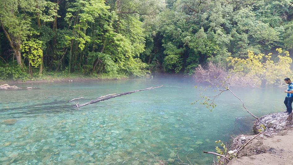 זגוריה: בריכות טבעיות עם מים בצבע טורקיז. צילום ליטל ליכט