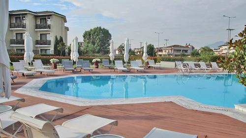 Hotel Du Lac ביואנינה, ממוקם למרגלות האגם. צילום ליטל ליכט