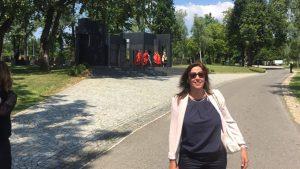 """חני סובול, מנכ""""לית התאחדות סוכני הנסיעות בקרואטיה עם משלחת הנשיא. צילום יח""""צ"""