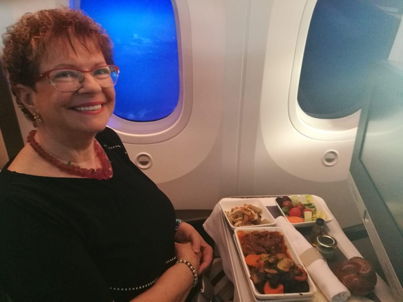 """תמונה שנשלחה ע""""י עירית רוזנבלום ממטוס אל על בדרכו לפריס באמצעות ה- WIFI. צילום IAS"""