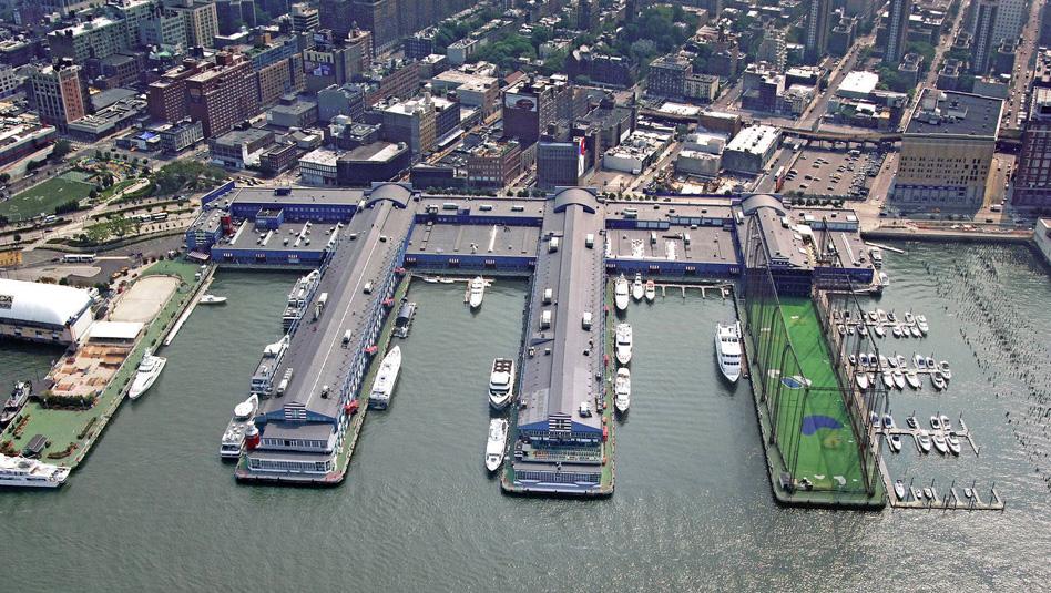 """Chelsea Piers בניו יורק שם עוגנת יאכטת האופנה. צילום יח""""צ"""