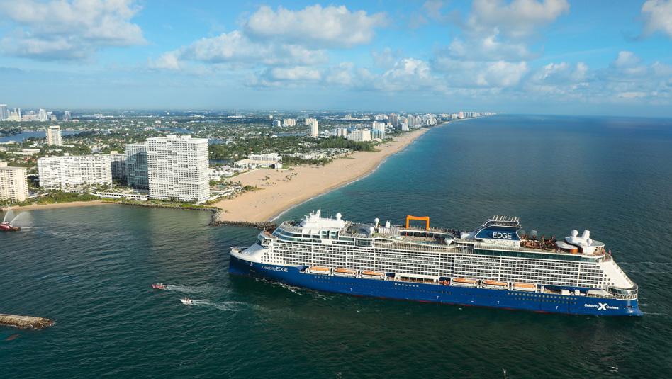"""כניסת האנייה סלבריטי אדג'  לחופי פלורידה. צילום יח""""צ"""