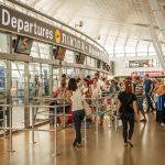 """אפריל בנתב""""ג: מעל שני מיליון נוסעים עברו בנמל התעופה"""