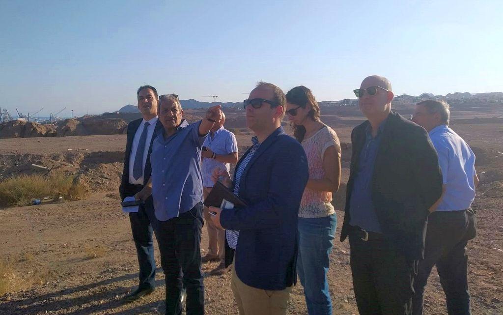 """ביקור מנכ""""ל משרד ראש הממשלה משה פרץ וצוות משרדו באילת. צילום יח""""צ"""