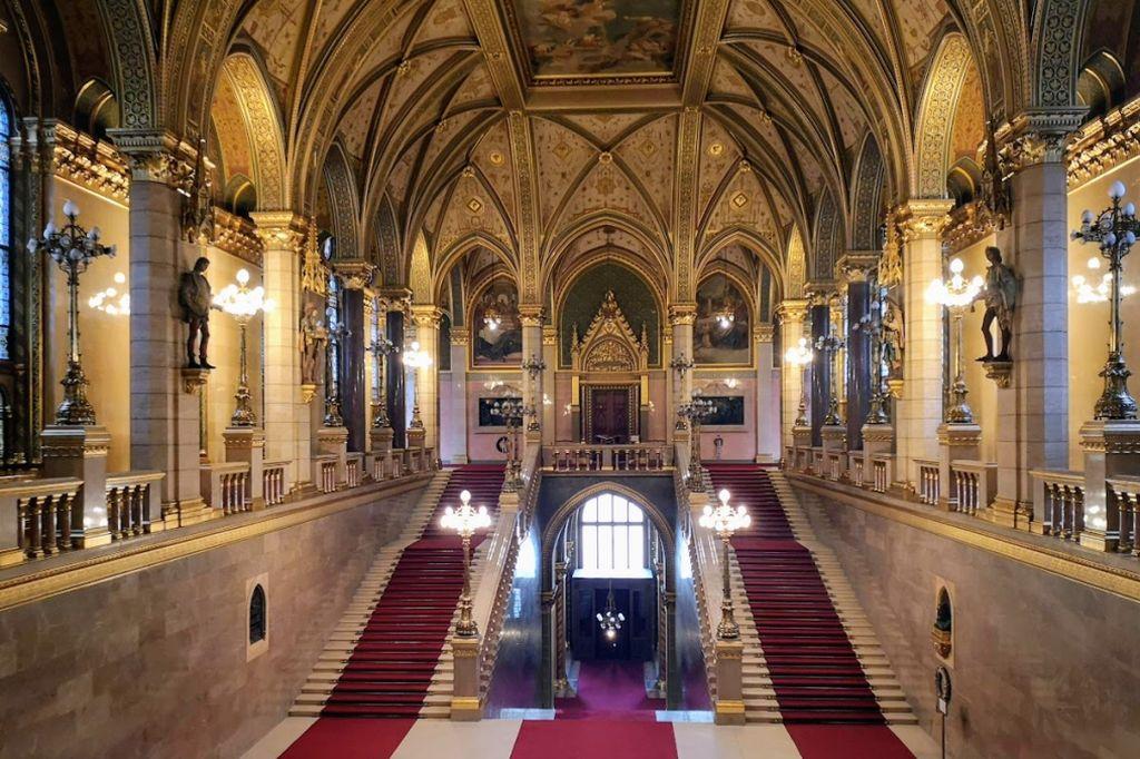 הכניסה הידועה של הפרלמנט ההונגרי. גם ראש הממשלה נתניהו צעד כאן. צילום עירית רוזנבלום