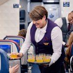 חווית הטיסה של דלתא אייר ליינס במחלקת התיירים משתדרגת