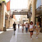 אלרוב סוגרת מלונות בירושלים, פריז ואמסטרדם