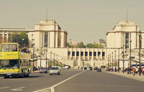 בתל אביב ובפריז מוותרים על האוטובוסים לתיירים