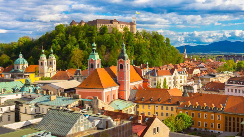 חברת התעופה אדריה איירווייס הסלובנית חדלה זמנית מטיסות