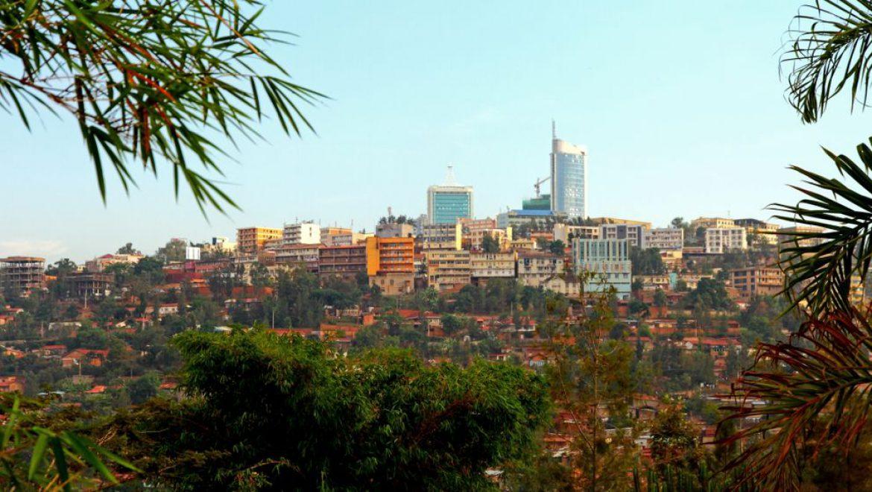 לרגל הולנטיין'ס דיי: כרטיס שני לזוגות במחיר מס נמל ברואנדה אייר