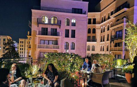 חוגגים בישראל 100 שנה להילטון, מקור הוולדורף, הבראוניז והמרטיני