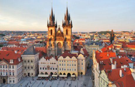 היזהרו ממדריכי תיירים מזוייפים בפראג