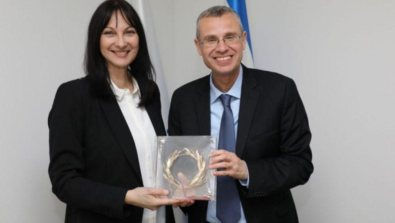 שרת התיירות ביוון אלנה קונטורה התפטרה ומתמודדת בפרלמנט האירופי