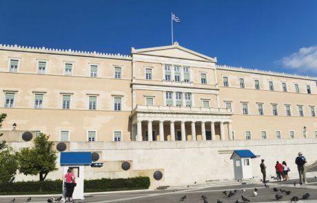 שר התיירות היווני החדש: תיירים עשירים, הליניקון ומיסוי דירות נופש