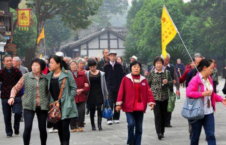 שינוי במגמת הנסיעות של התיירות הסינית: פחות טיסות ארוכות-טווח