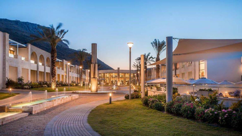 במרכז התיירות מגדלה שעל שפת הכנרת נערכים לפתיחת המלון בפסח