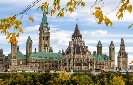 נוסעים הנכנסים לקנדה יידרשו לבדיקת קורונה שלילית