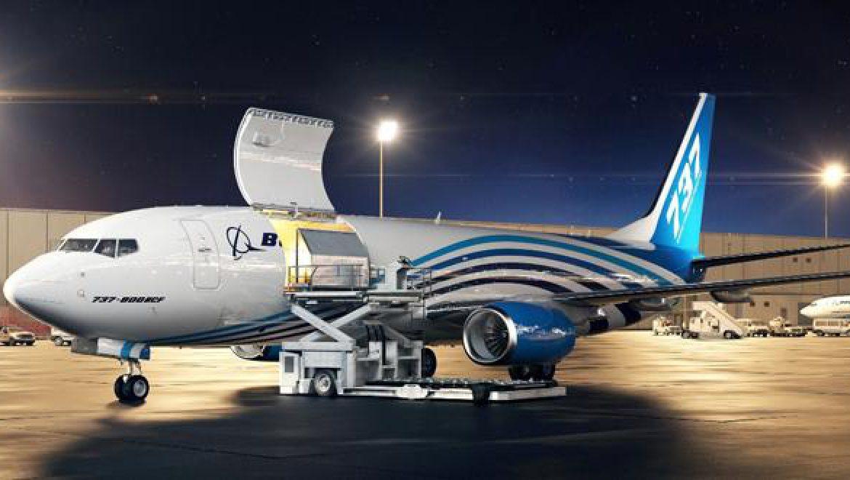 בואינג משיקה את מטוס המטען המוסב מדגם 737-800
