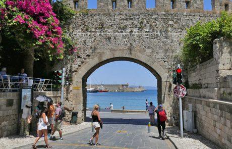 קונפדרציית התיירות ביוון מתנגדת למיסוי על הענף במדינה