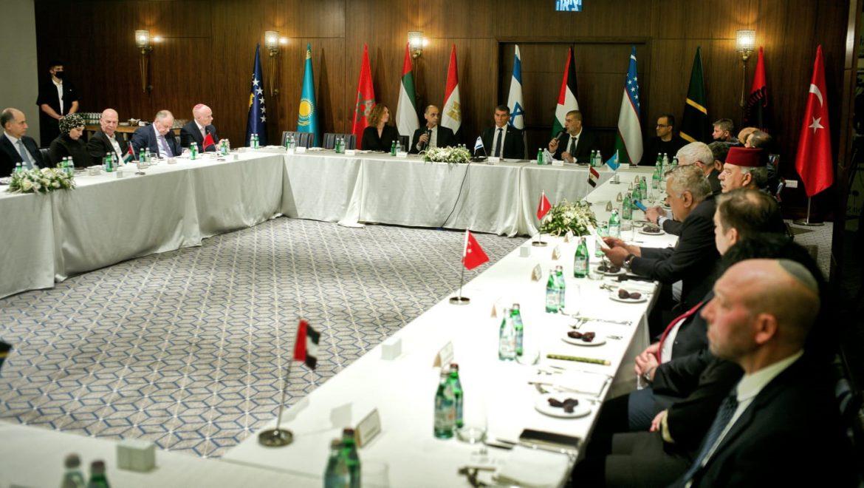 שגרירים מוסלמים וממדינות מוסלמיות בארוחת האיפטר בהזמנת שר החוץ