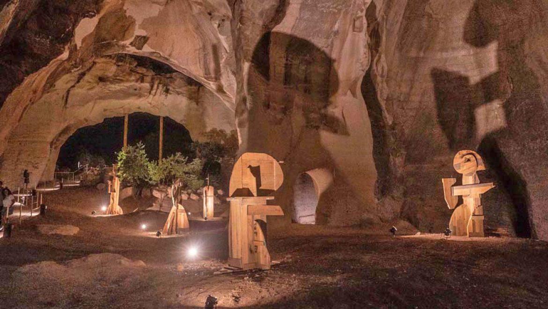מערת הפעמון בגן לאומי בית גוברין מציגה: תערוכת צורות אנוש