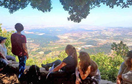 סיורים מודרכים עם מורי דרך בשיתוף משרד התיירות, במבחר גנים לאומיים