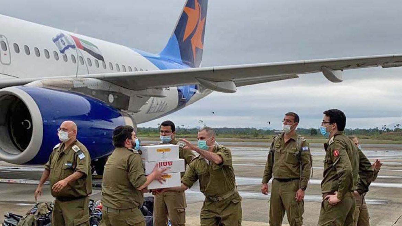 לפנות בוקר נחתה בגינאה המשוונית משלחת סיוע ישראלית