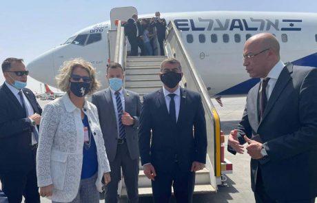 שר החוץ, גבי אשכנזי נחת בקהיר