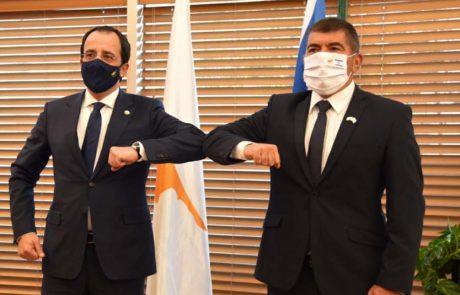 שר החוץ, גבי אשכנזי נפגש עם שר החוץ הקפריסאי, ניקוס כריסטודולידיס