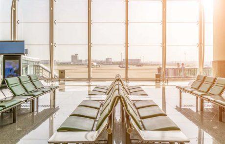 בנמלי התעופה באירופה נרשמה ירידה של 98% בתנועת הנוסעים