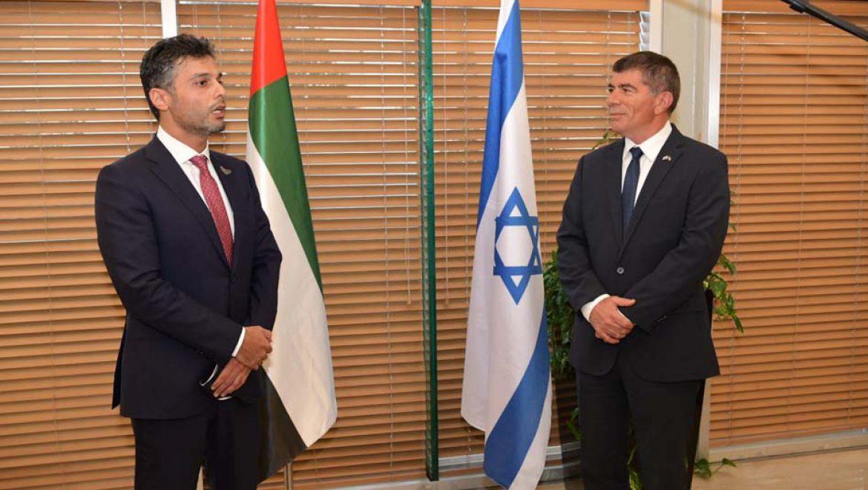 שר החוץ אשכנזי נפגש עם שגריר איחוד האמירויות בישראל
