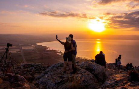 חוויית חורף ב'טבע זום אין': מטיילים ומצלמים מזריחה ועד שקיעה
