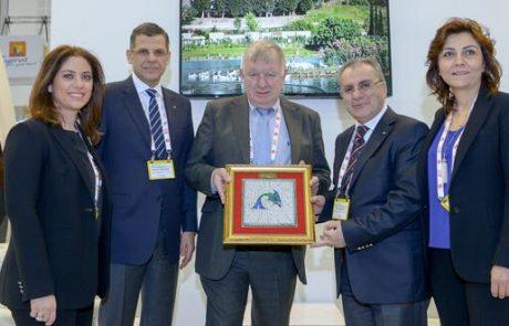תיירות היא תעשייה המקדמת שלום  בין עמים ומדינות