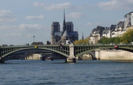 אלפי ישראלים מבטלים יציאתם לפריז